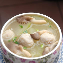 墨斗鱼丸鲜汤的做法[图]