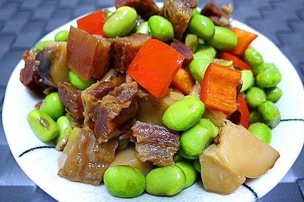 腊肉烧青豆