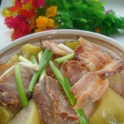 青萝卜炖腊肉的做法[图]