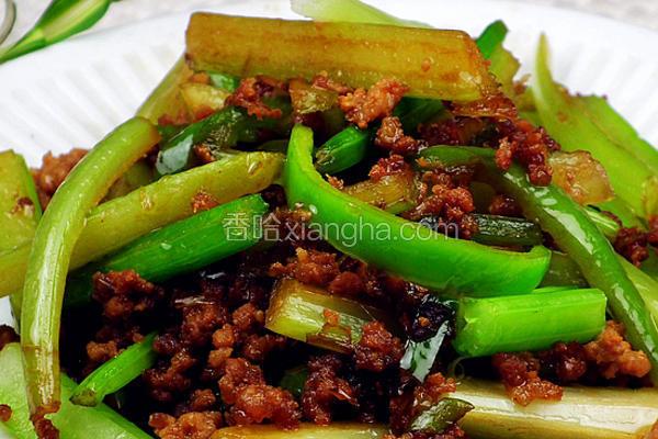 肉末尖椒炒芹菜