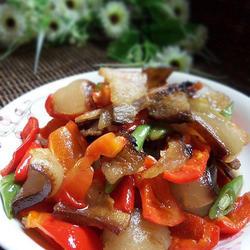 红椒四季豆炒腊肉的做法[图]