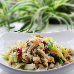 葱香蛤蜊肉的做法[图]