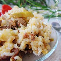 榨菜肉丝炒高粱米饭的做法[图]