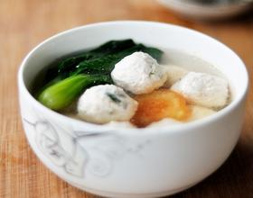 鲜虾鸡肉丸子汤[图]