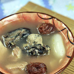 海底椰响螺乌鸡汤的做法[图]