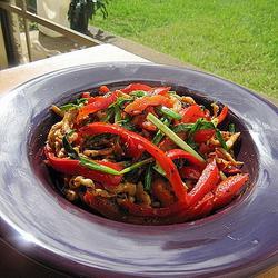 黑椒鸡丝炒红椒的做法[图]