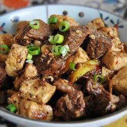 百味牛腩烧豆腐的做法[图]