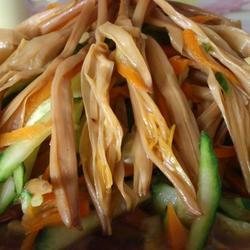 凉拌黄花菜的做法[图]