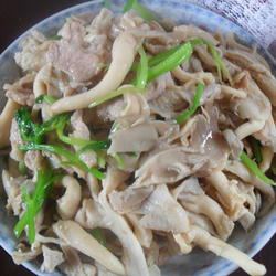 凤尾菇炒肉的做法[图]