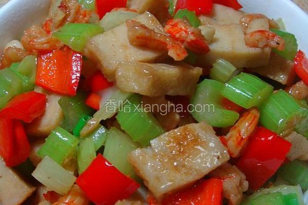 西芹虾干炒鱼饼