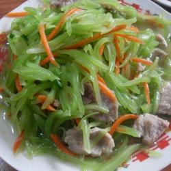 肉片炒莴笋萝卜丝的做法[图]