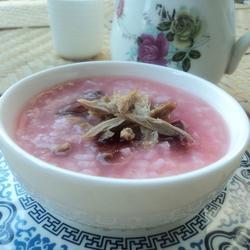 红菇鸭丝粥的做法[图]