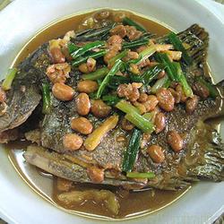 豆瓣酱焖金鼓鱼的做法[图]