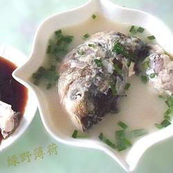 鲢鱼头尾汤的做法[图]