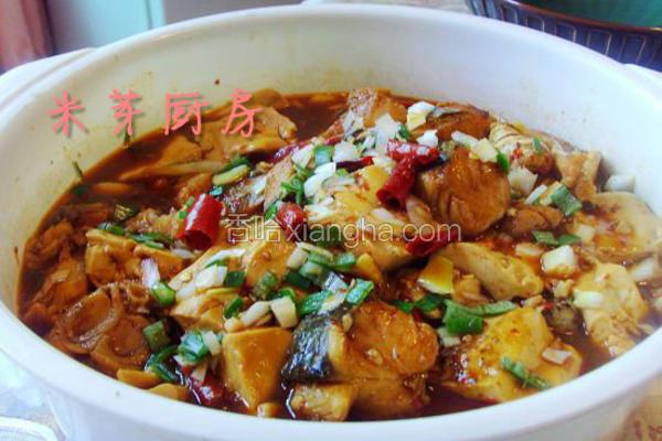 清炖草鱼头的做法_啤酒鱼炖豆腐的做法_菜谱_香哈网