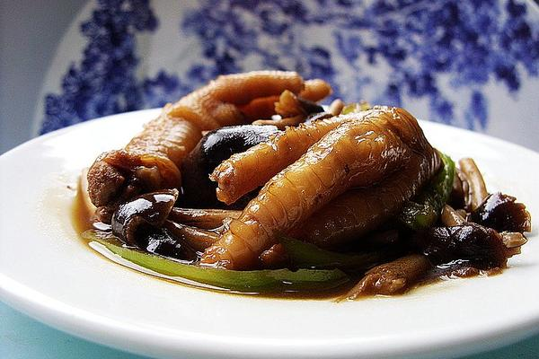 茶树菇烧凤爪