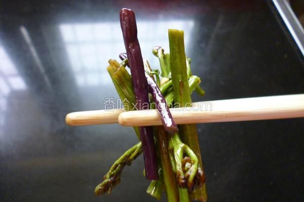 炒酸辣蕨菜