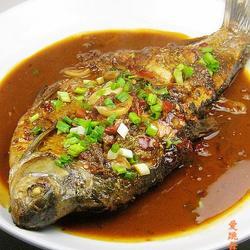 红油豆瓣酱烧鳊鱼的做法[图]
