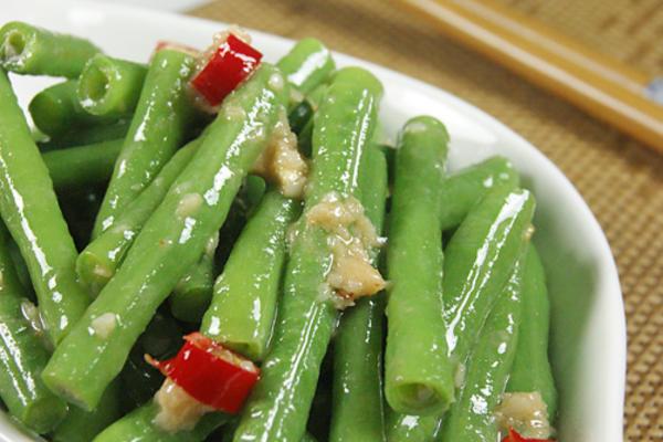 蒜香腐汁豆角