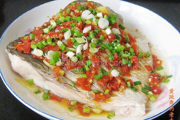 蒜味剁椒蒸青鱼
