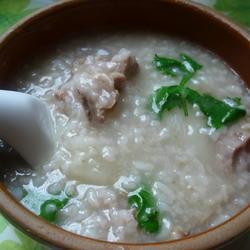 白萝卜骨头粥的做法[图]