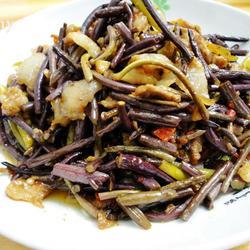 蕨菜炒花肉的做法[图]