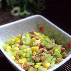莴笋玉米炒肉丁的做法[图]