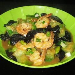 虾仁黑木耳豆瓣酱的做法[图]
