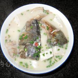 鲢鱼头炖豆腐的做法[图]