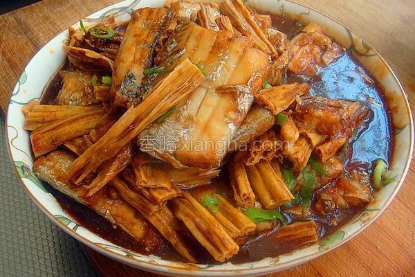 腐竹醋焖带鱼的做法