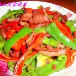 青红椒爆鸭肠的做法[图]
