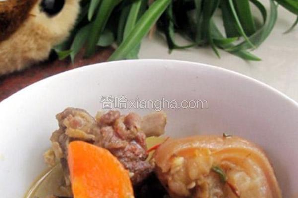 胡萝卜炖腊羊肉