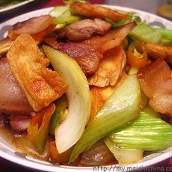 白菜豆干炒腊肉的做法[图]