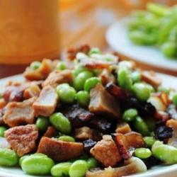 毛豆腊肉炒豆干的做法[图]