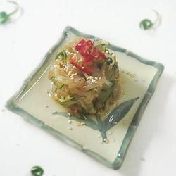 凉拌海蜇黄瓜塔的做法[图]