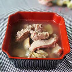 墨鱼猪肚排骨汤的做法[图]