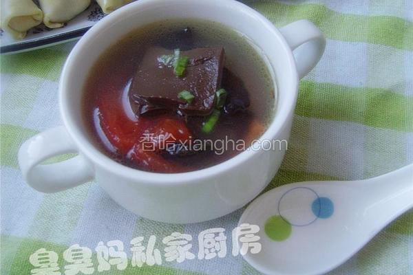 猪血番茄木耳汤
