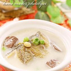 双豆鸭血鱼汤的做法[图]