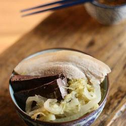 酸菜汆白肉的做法[图]