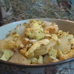 黑胡椒洋葱炒鸡蛋的做法[图]