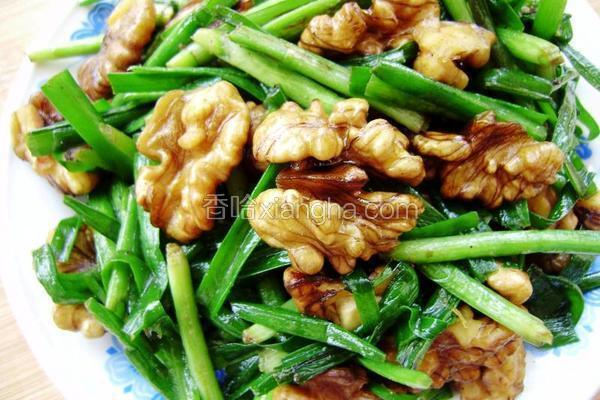 桃仁炒韭菜