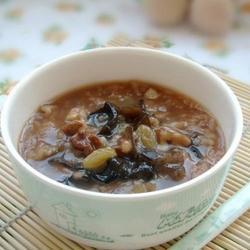 核桃木耳粳米粥的做法[图]