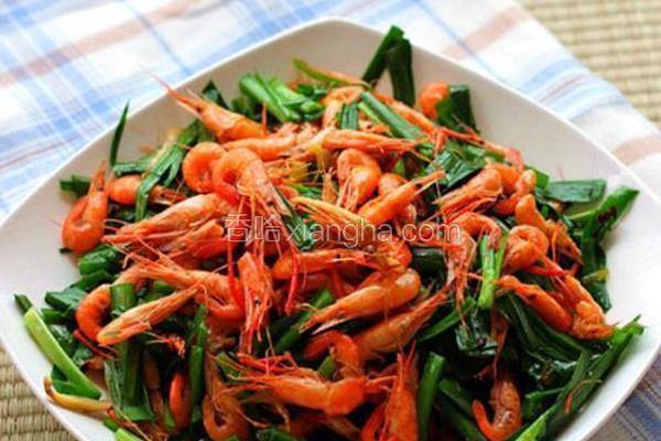 青韭炒河虾