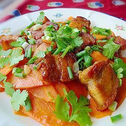 烧肉炒红萝卜的做法[图]