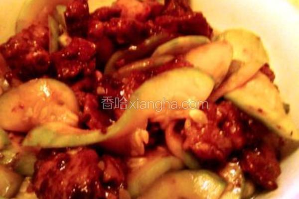 云南小瓜炒酱肉