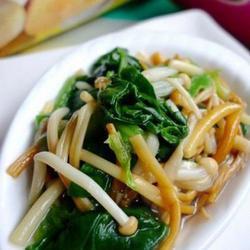 菠菜拌金针菇的做法[图]