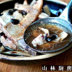 炖墨鱼排骨汤的做法[图]