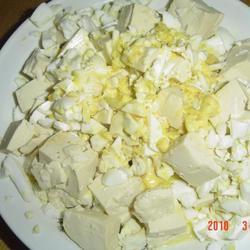 咸鸭蛋拌豆腐的做法[图]