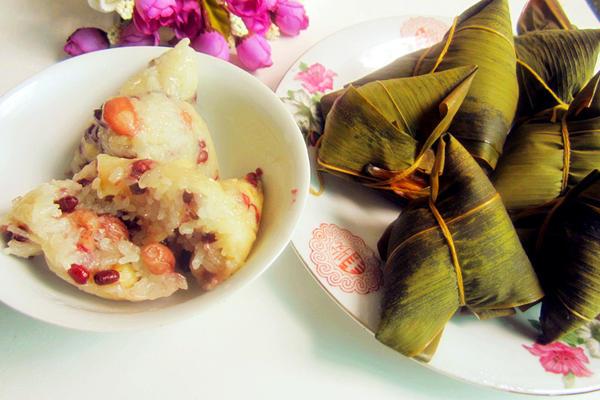 花生莲子肉粽