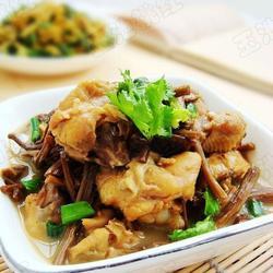 茶树菇炖鸡的做法[图]